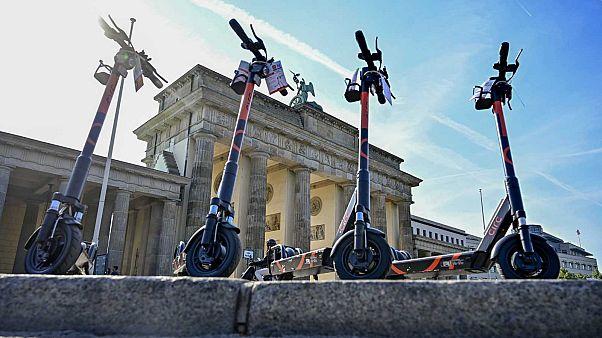 Des trottinettes électriques en libre-service photographiées à Berlin le 19 juin 2019