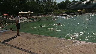 Episodios de violencia, peleas y agresiones en las piscinas alemanas