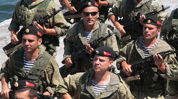 عرض لمشاة البحرية الروسية خلال دورة تدريبية للجيش 2019/ روسيا