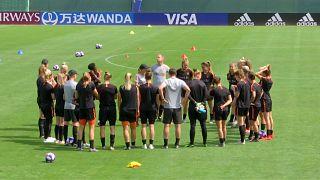 Resurgent Netherlands face confident in World Cup semi final
