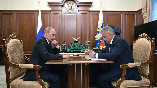 Rusya Devlet Başkanı Vladimir Putin ile Savunma Bakanı Sergey Şoygu