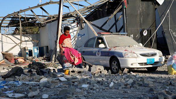 Λιβύη: Δεκάδες μετανάστες νεκροί από αεροπορικό χτύπημα