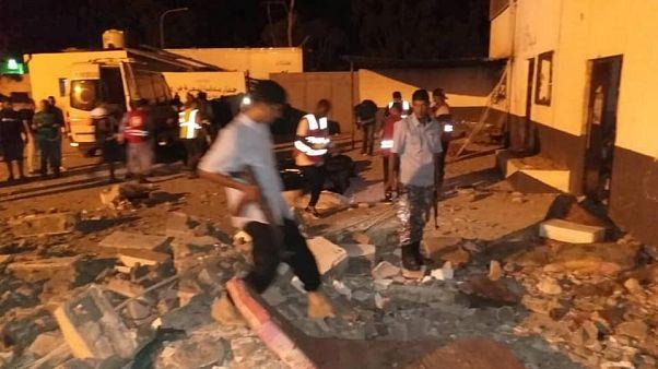 Libya'da göçmen kampına hava saldırısı: En az 44 ölü, 130 yaralı