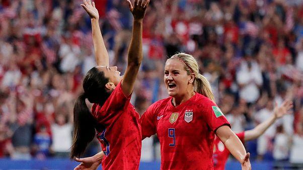 Kadınlar Dünya Kupası: İngiltere'yi yenen ABD ilk finalist
