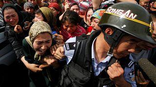 الصين تندد بمنح البرلمان الأوروبي جائزة ساخاروف لناشط مدافع عن حقوق مسلمي الإيغور