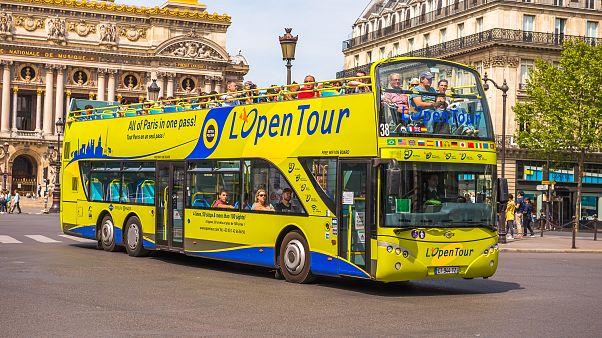 دوچرخه و اسکوتر جایگزین اتوبوسهای گردشگری مرکز پاریس میشود