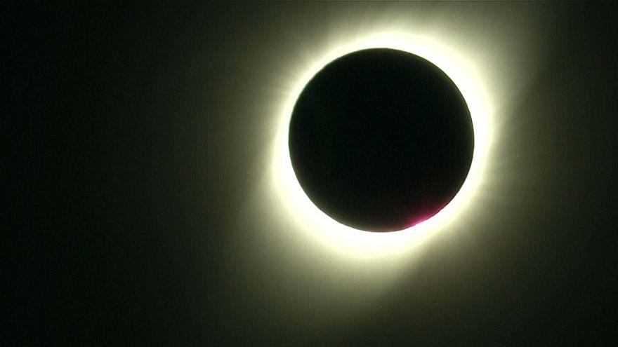منظره تماشایی خورشیدگرفتگی در شیلی