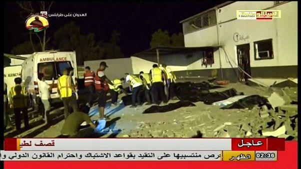 Al menos 40 migrantes muertos en un bombardeo atribuído a Hafter