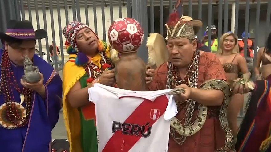 شاهد: ماذا كانت تنبأت قبائل الشامان البيروفية بمباراة البرازيل والأرجنتين؟