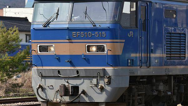 Güterzug kracht mit Auto zusammen - Zwei Tote
