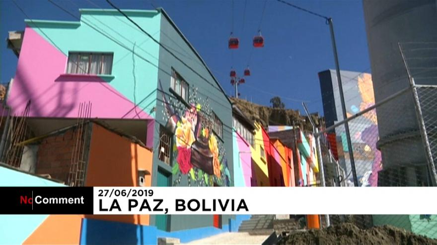ویديو؛ شهرکی در پایتخت بولیوی نقاشی شد