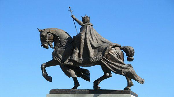لأنه استنكف عن تناول طعام أهل تونس.. هذا ما حدث لآخر ملوك الصليبيين لويس التاسع