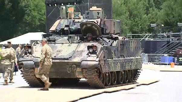 دبابات ومدرعات تشارك لأول مرة في تحضيرات احتفالات الرابع من تموز الأميركي