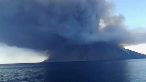 Erupção obriga a retirada de 70 pessoas de Stromboli