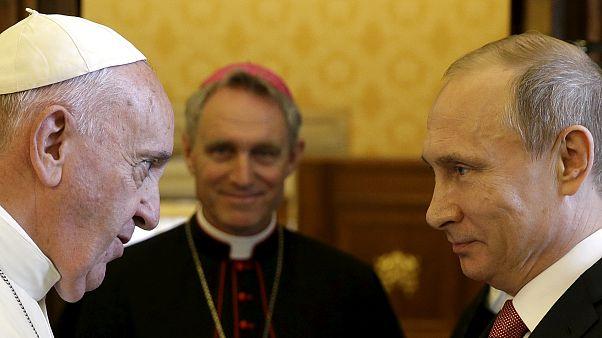 Ukraynalı Katolik din adamlarının Vatikan ziyareti öncesi Papa-Putin buluşması