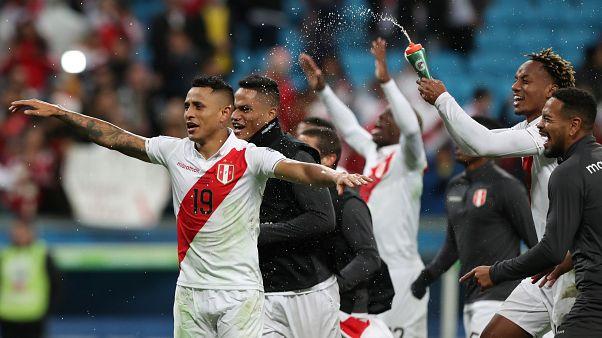 Peru surpreende e elimina Chile na Copa América
