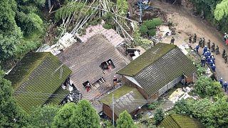 Japonya'da sel ve toprak kayması can aldı