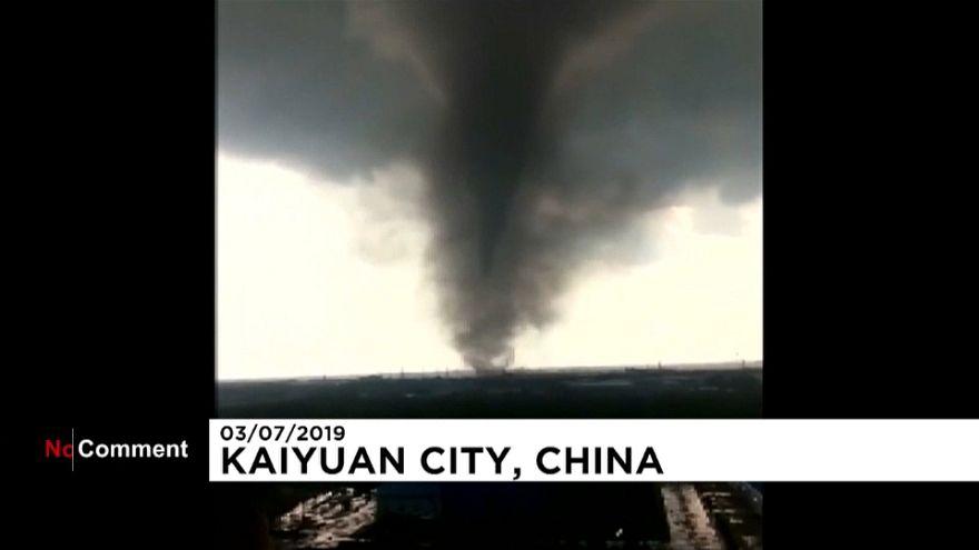 ویدئو؛ ۶ کشته و ۱۹۰ مصدوم در گردباد عظیم در چین