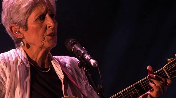 "Folk-Legende Joan Baez sagt ""Farewell"" in Montreux"