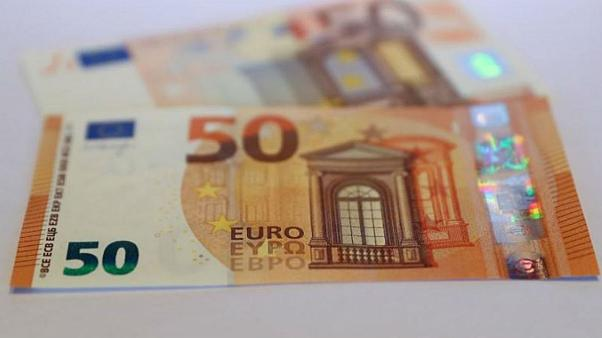 پیشروی دوباره دلار و یورو؛ قیمت سکه افزایش یافت