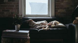دراسة: مواعيد النوم غير المنتظمة قد تسبب زيادة في الوزن وأمراض السكري وضغط الدم