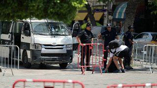 تنظيم الدولة الإسلامية يعلن مسؤوليته عن تفجير انتحاري في تونس يوم الثلاثاء
