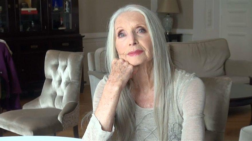 توصیه مدل ۸۴ ساله به زنان مسن: نامرئی نباشید