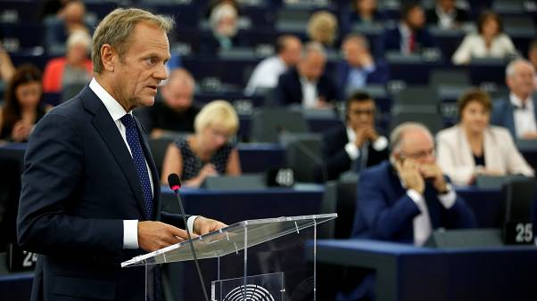 """""""Breves de Bruxelas"""": Eurodeputados criticam Conselho Europeu"""