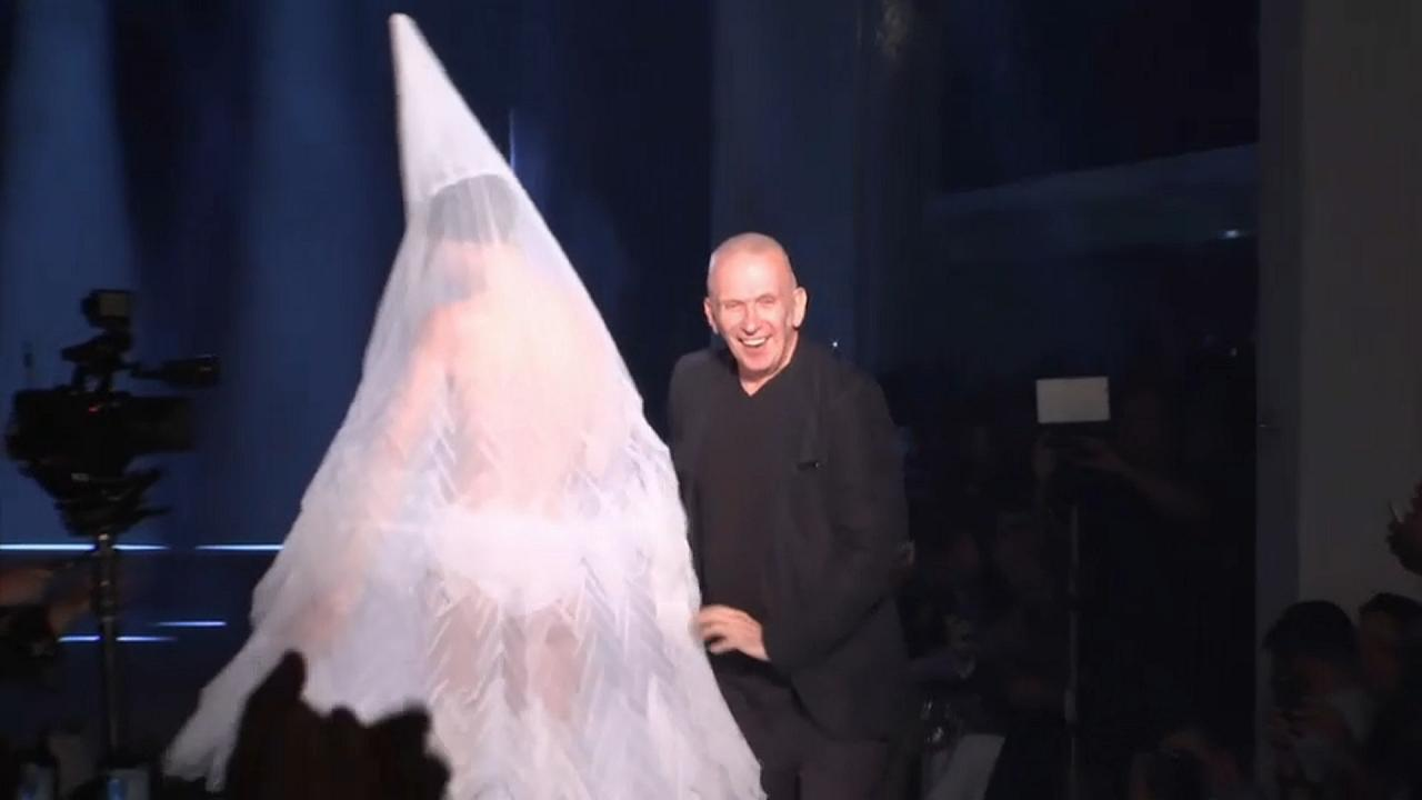 Gaultiers Hochzeitskleid: gewagt, nicht züchtig