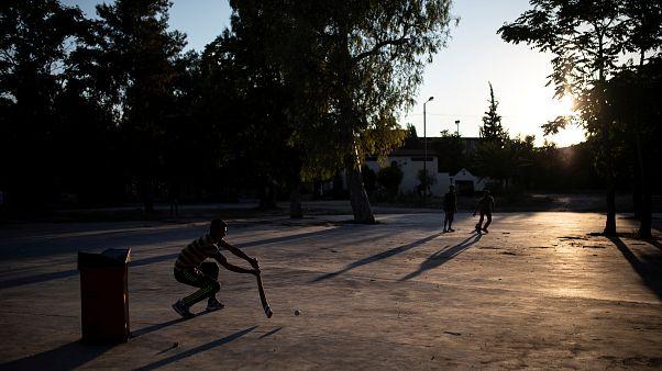Ελλάδα: Οι Πακιστανοί μετανάστες μας γνωρίζουν το street cricket!