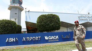 حوثیها بار دیگر به فرودگاههای ابها و جیزان عربستان حمله کردند
