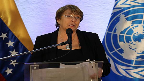 مفوضة الأمم المتحدة السامية لحقوق الإنسان ميشيل باشليه تتحدث في كراكاس - يونيو حزيران 2019/تصوير: فوستو توريلبا - رويترز.