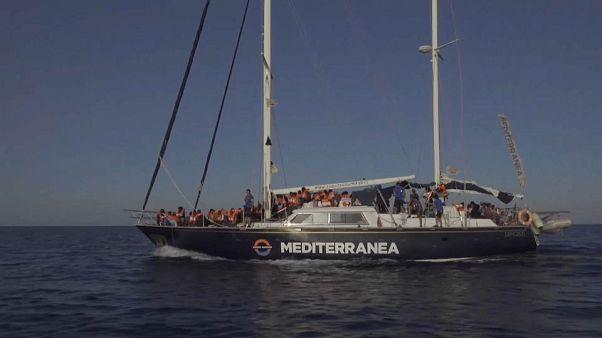 Migranti: un'altra Ong sfida Salvini