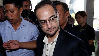 Malezya'da yolsuzluk skandalı: Eski Başbakan Rezak'ın üvey oğlu Rıza hakim karşısında