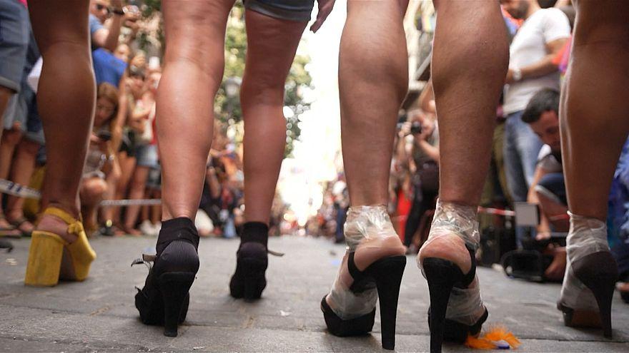 مادرید؛ مسابقه دو زنان و مردان با کفش های پاشنه بلند ۱۵ سانتی
