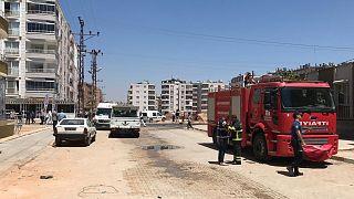 Hatay'ın Reyhanlı ilçesinde bir araçta patlama meydana geldi.