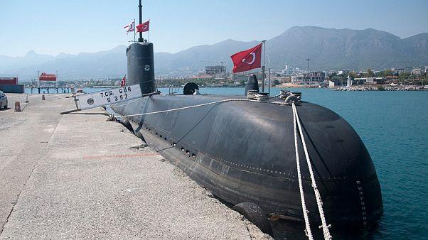 Τουρκικό υποβρύχιο στο λιμάνι της Κερύνειας