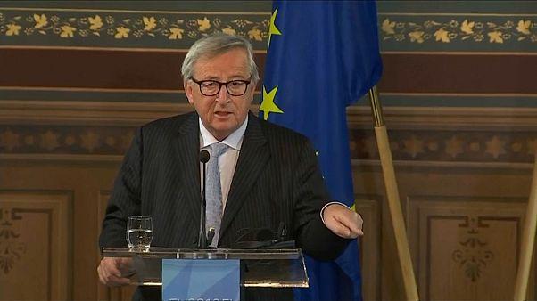 Juncker dice alto y claro que la designación de Ursula von der Leyen no es transparente