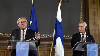 Γιούνκερ: «Όχι και τόσο διαφανής» η εκλογή της φον ντερ Λάιεν