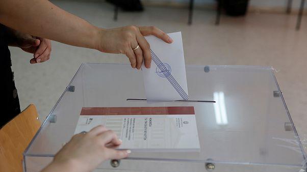 Εκλογές 2019: Αντίστροφη μέτρηση για το κλείσιμο της κάλπης