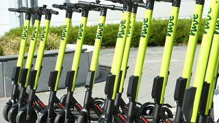 سكوتر - دراجات صغيرة كهربائية (تروتينيت) للكراء والإيجار