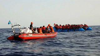 Мигрантов с судна Alex заберет Мальта