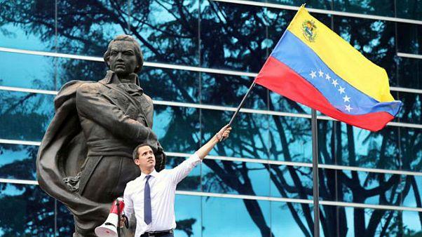 روز استقلال ونزوئلا؛ مادورو از گفتگو و گوایدو از دیکتاتوری دولت گفتند