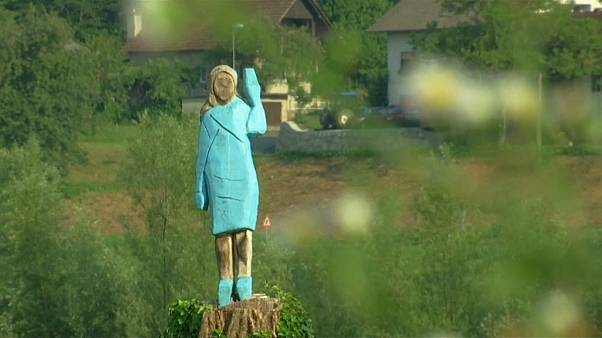 """Slovenia, statua """"naif"""" per Melania Trump"""