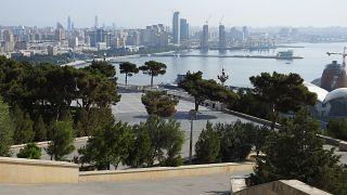 مقتل جنديين في انفجار عرض عسكري في أذربيجان