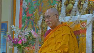 شاهد: الزعيم الروحي للبوذيين الدالاي لاما يحتفل بعيد ميلاده ال 84