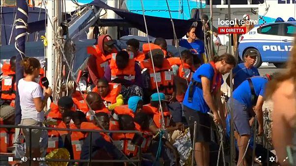 Otro barco humanitario reta a Salvini