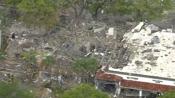 انفجار ضخم يهز مركزا تجاريا في ولاية فلوريدا الأمريكية