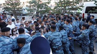 Kazakistan'da devlet başkanı Nazarbayev protestosu: Çok sayıda gözaltı
