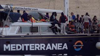Governo italiano interdita entrada de navios humanitários